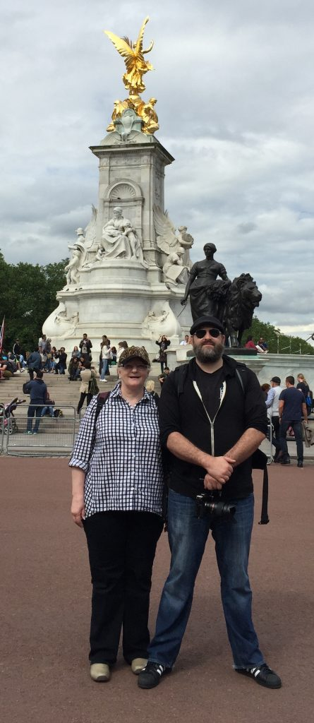 Matt - Mom - Buckingham Palace statue 6-16-2016
